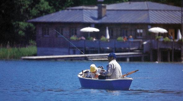 Angeln am Tegernsee, einer der oberbayerischen Voralpenseen