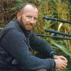 Angler John Watson am Entwässerungskanal