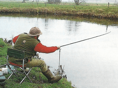 Angler John Wilson am Wensum in England bei New Costessey