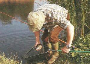 Auf Fischsuche an kleinen, tiefen Seen